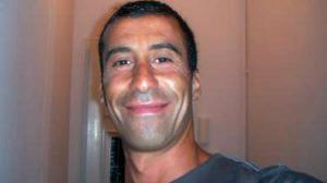 Ahmet Merabet, 42 anni, musulmano. Poliziotto francese caduto in servizio mentre cercava di fermare gli attentatori di Charlie Hebdo.