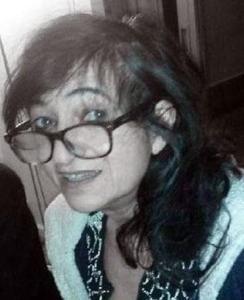 Elsa Cayat, 55 anni, francese. Psicanalista e scrittrice curava la rubrica Charlie Divan. Morta durante l'attacco del 7 gennaio 2015.