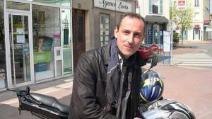 Franck Brinsolaro, 49 anni. Guardia del corpo di Charb.  Morto durante l'attacco del 7 gennaio 2015.