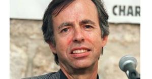 Bernard Maris (Oncle Bernard), 69 anni francese, keynesiano convinto,  proponeva la cancellazione di una parte del debito. Responsabile del settore economico di Charlie Hebdo. Morto durante l'attacco del 7 gennaio 2015.